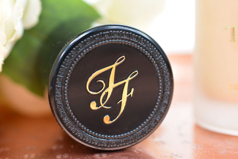 fond de teint born this way de too faced