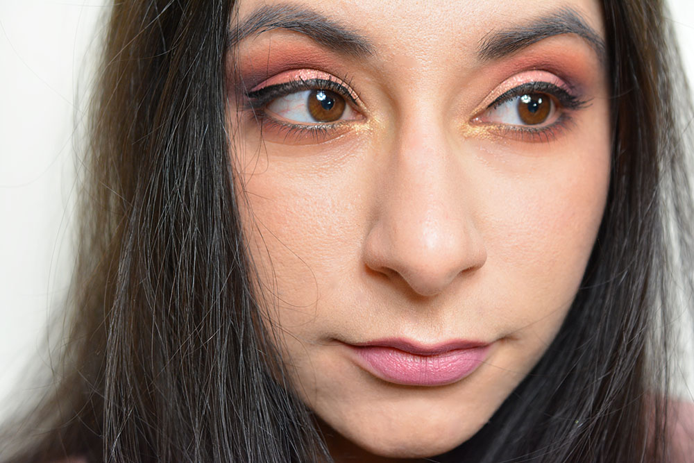 Maquillage printanier avec la palette Huda Beauty !